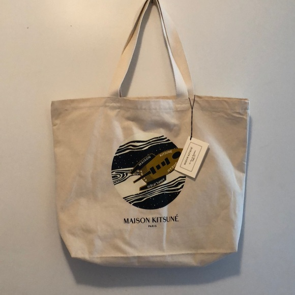 detailed look new high lower price with BNWT Maison Kitsune Dream Amplifier tote and pouch NWT